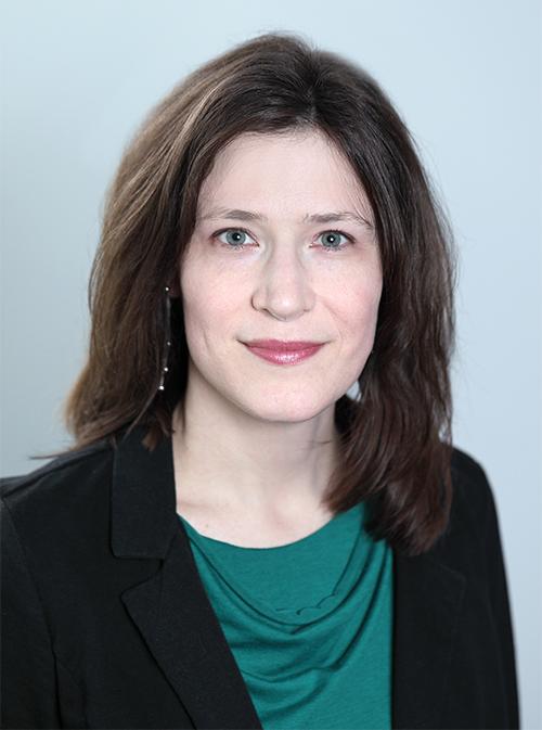 Headshot of Stephanie Fertig