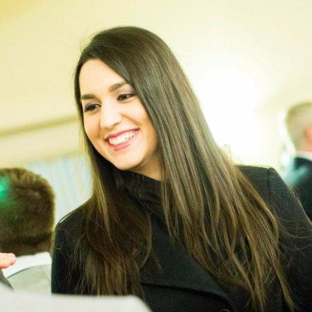 Headshot of Roya Kalantari